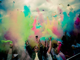 HOLI GAUDY - colour your day - BIELEFELD