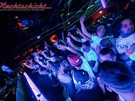 NEON PARTY - PART 2 - FR 02.DEZEMBER - DJ YT & DJ CHILLY E - NACHTSCHICHT HD