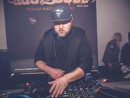 Soul2Soul mit Special Guest DJ Polique