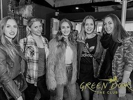 Galerie von: GIRLS GIRLS GIRLS