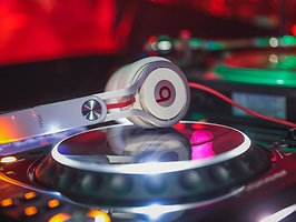 DANZA Latino – Dancehall Reggaeton Merengue Salsa & Latin Hi