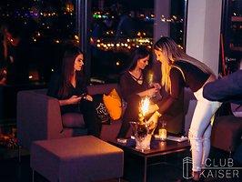 Galerie von: Champagne Shower - Ladies free!
